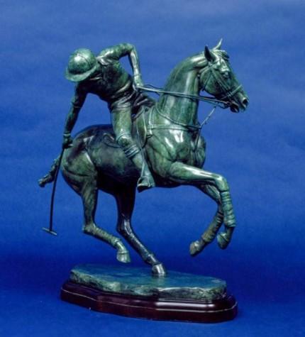 """Offside Tailshot"" Bronze, 32 x 38 x 20 cm"