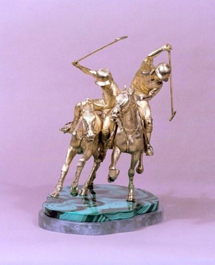 """Ride Off"" 18 ct gold, 30 x 33 x 25 cm, Base: 30 x 21 cm, Weight: 7.5Kg"