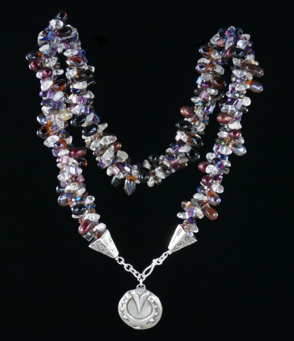 """Cabernet Horseshoe Beaded Necklace"" Overall length: 19.25"", Pendant diameter: 7/8"", Price: $550, Chisholm Ref. #: SBW-N2 