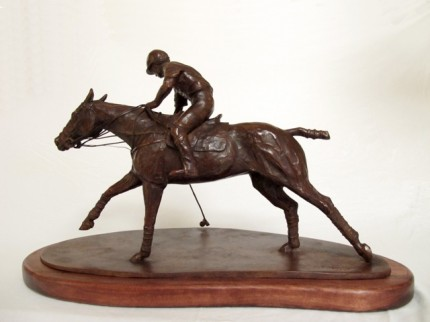 """""""Taqueando"""" Bronze, Edition: 3/6 (Last one available of the edition), 13.8 x 20.5 x 6.3 inches, Signed & Numbered"""