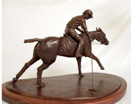 """""""Taqueando"""" (Side view) Bronze, Edition: 3/6 (Last one available of the edition), 13.8 x 20.5 x 6.3 inches, Signed & Numbered"""