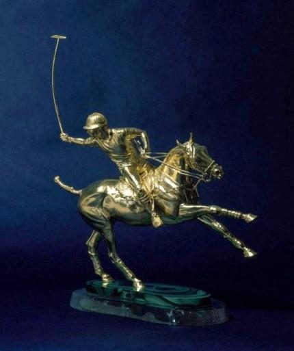"Juliet Cursham, British Contemporary ""Offside Backhand"" 18ct gold, 42 x 40 x 19 cm, 4 Kg"