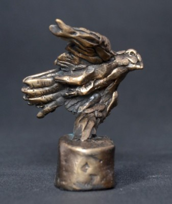 """""""Diving Falcon"""" Bronze, Limited Edition: 150, 90 mm High"""