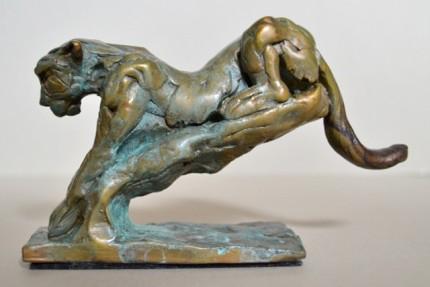 """""""Leopard Descent"""" Bronze, Limited Edition: 12, 15 x 9 x 5 cm"""