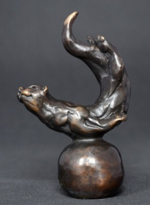"""""""Otter"""" Bronze, Limited Edition: 95, 120 mm High"""